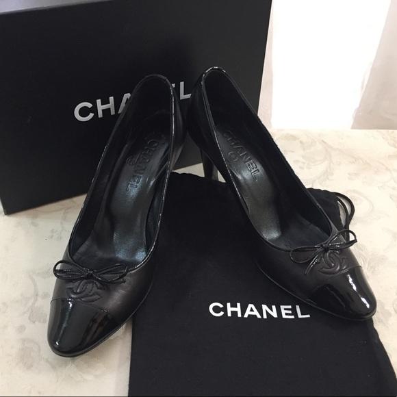 b096561eb892 CHANEL Shoes - 🆕 Chanel CC Two Tones Cap toe Pumps